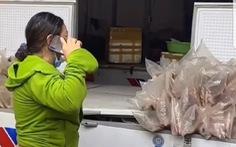 Hàng tấn hàng hư hỏng vì tủ đông mất điện, thương nhân đề nghị chợ Bình Điền bồi thường