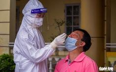 Hà Nội: Yêu cầu làm rõ việc trả phí test COVID-19 khi vào viện điều trị