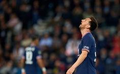 Messi 'kém duyên' ghi bàn, bị thay thế phút 76, PSG thắng ngược Lyon phút 90+3