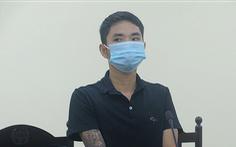 Giật tóc cán bộ chốt kiểm soát COVID-19, thợ cắt tóc lãnh 12 tháng tù