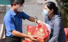 Chi hỗ trợ lần 2 mua nhu yếu phẩm cho công nhân TP.HCM