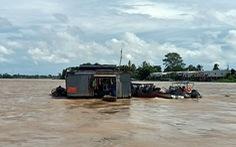 Di dời 108 bè cá trên sông Hậu đi xa 10km để giãn cách, ngăn dịch