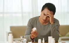 Những tác hại của việc uống thuốc dài ngày đối với gan