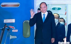 Chuyên cơ Chủ tịch nước Nguyễn Xuân Phúc về đến Hà Nội cùng hơn một triệu liều vắc xin Abdala