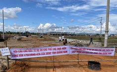 Dân treo băng rôn dự án khu phố chợ gây ngập, Quảng Nam yêu cầu kiểm tra
