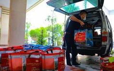 Gửi quà hỗ trợ hơn 100 người nước ngoài tại Hà Nội
