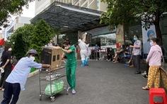 Bệnh viện tư ở TP.HCM không được yêu cầu người mắc COVID-19 tự nguyện trả chi phí