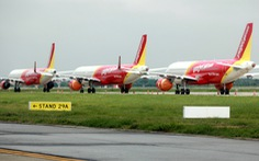 Hà Nội đề nghị tiếp tục dừng chuyến bay thương mại, tàu hỏa chở khách