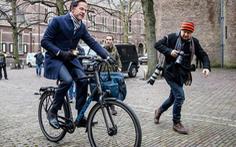 Vị thủ tướng đạp xe đi làm của Hà Lan bị xã hội đen dọa bắt cóc