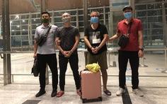 Bàn giao 2 người Hàn Quốc bị truy nã quốc tế cho cảnh sát Hàn Quốc