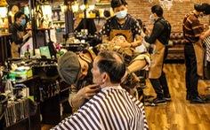 Mai 1-10 mới mở cửa nhưng nhiều tiệm tóc ở TP.HCM giờ đã kín lịch cả tuần