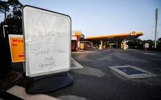 Lưu lượng xe tại Anh giảm kỷ lục vì khủng hoảng nhiên liệu