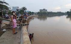 Phát hiện người đàn ông té sông Bảo Định chết gần chốt phong tỏa