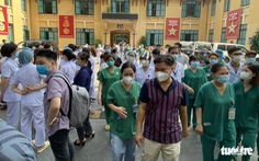 Hà Nội: Bệnh viện Việt Đức có ca COVID-19 mới, tạm phong tỏa tòa nhà với khoảng 1.400 người