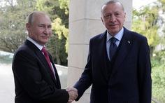 Tổng thống Putin khoe ông có 'kháng thể cao' với COVID-19