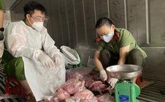 Công an tay dao, tay thớt làm tiểu thương ở 'chợ container'