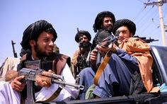 Taliban xả súng chỉ thiên ăn mừng, 17 người chết