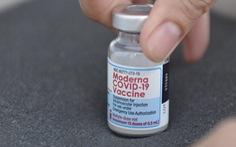 Nỗi lo 'đứt' vắc xin Moderna mũi 2 ở TP.HCM