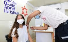 Hơn 10.000 ca COVID-19 mỗi ngày ở Israel và những câu hỏi đặt ra