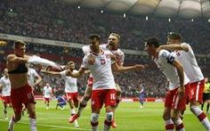 Ba Lan chấm dứt chuỗi trận toàn thắng của tuyển Anh