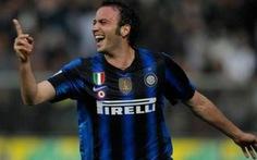 Milan chưa thể đăng quang sớm