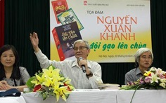 """Nguyễn Xuân Khánh """"đội gạo lên chùa"""""""