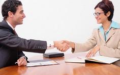 Những ngôn ngữ cử chỉ nên tránh trong buổi phỏng vấn