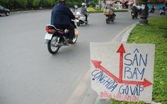 Dân tự làm bảng chỉ dẫn đường