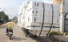 """Ba gác máy mang """"thân hình"""" xe tải"""