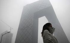 Dân giận dữ vì sương mù dày đặc ở Bắc Kinh