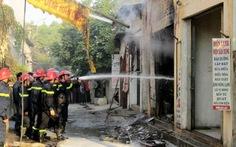 Cháy cửa hàng gas, hai mẹ con tử vong