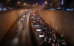 Điều chỉnh giờ tan học ở Hà Nội: Vẫn nơi tắc, nơi thông
