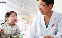 Cấy ghép cùng lúc 7 nội tạng cho bé gái 7 tuổi