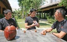 Gia đình Johnny Trí Nguyễn mở lò võ