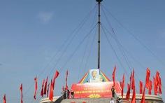"""Lễ thượng cờ """"thống nhất non sông"""" bên bờ Bến Hải"""