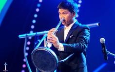 Ai sở hữu cây sáo bằng ống nước?