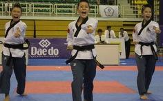 VN giành 2 HCV quyền giải Taekwondo châu Á