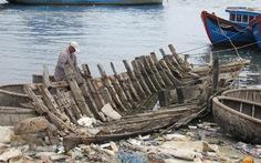 """Quảng Ngãi: xuất khẩu cát ở những cửa biển """"bẫy"""" tàu"""