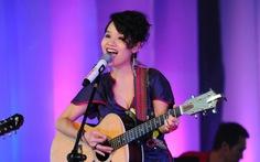 Ca sĩ Mai Khôi dự diễn đàn bình đẳng giới