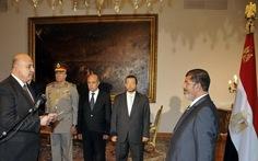 Tổng thống Ai Cập giành lại quyền lực từ quân đội