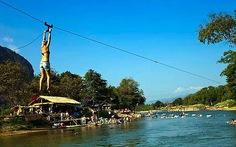 """Lào """"dọn dẹp"""" thị trấn tiệc tùng Vang Vieng"""