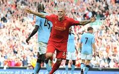 Hàng thủ Liverpool tặng điểm cho Man City