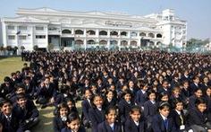 """Trường học """"khủng"""" nhất thế giới: gần 45.000 học sinh"""