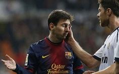 """Messi gọi Karanka là """"búp bê"""" của Mourinho"""