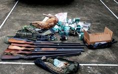 Thu giữ 6 súng săn, hàng trăm viên đạn