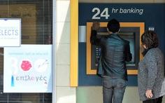 Dân Cyprus bức xúc vì tiền tiết kiệm bị đánh thuế