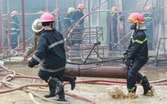 Cháy xưởng gỗ, bàn ghế cao cấp thành tro than