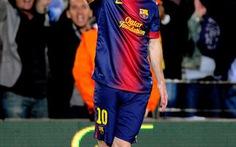 Barca chạm một tay vào chức vô địch