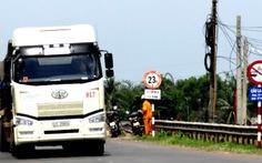 Lo xe chở bauxite làm sập cầu La Ngà