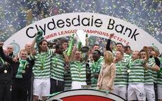 Celtic nhận cúp vô địch Scotland